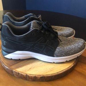 ASICS men's shoes black and white